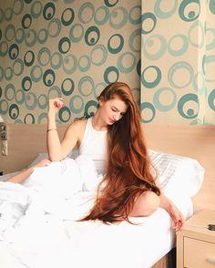 Правильно спать с распущенными волосами или нет