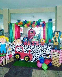 Mi decoracion la granja de Mateo 😍🐥🐏🐑🐄🐮🐖🐷🐴 2nd Birthday Party Themes, Twin Birthday, Farm Birthday, Diy And Crafts, Paper Crafts, Little Cowboy, Farm Party, Farm Theme, Ideas Para Fiestas