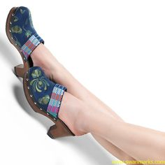 #Swanmarks Liebo New 2012 Flower Embroidery Rough Heels Hollowed-out Slippers