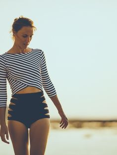 Salt Gypsy rashguard black & white stripes