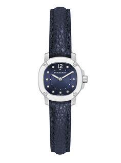 La montre The Britain bleu marine de Burberry Marque Montre, Automne Hiver  2015, Belles 915a5fec59f4