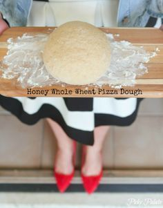 Honey Whole Wheat Pizza Dough Recipe by www.picky-palate.com #pizza #pizzadough