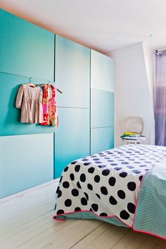 More like Teal walls / MY ROOM! Dream Bedroom, Home Bedroom, Paris Bedroom, Bedrooms, My New Room, My Room, Polka Dot Bedding, Blue Cabinets, Teal Walls