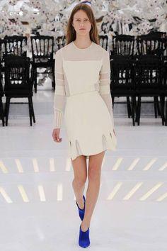 transparencias , formas limpias y elegantes, nos presentan un ready to wear de cualquier chica, Dior