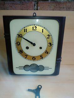 staré kuchyňské hodiny