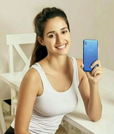 I wanna rip that tight tank top off Disha Patani and tit fuck her for hours Bollywood Bikini, Bollywood Actress Hot, Beautiful Bollywood Actress, Bollywood Fashion, Beautiful Actresses, Bollywood Saree, Indian Bollywood, Beautiful Girl Indian, Most Beautiful Indian Actress
