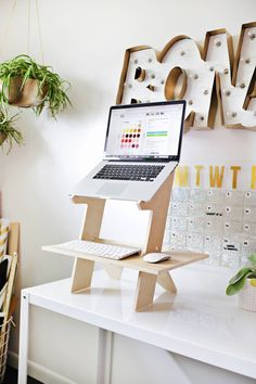 Make your own standing desk! Template included (click through for tutorial)