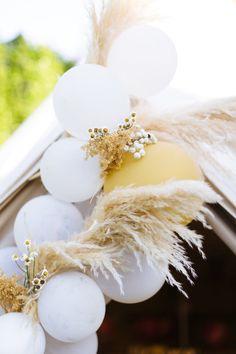 Parker Palm Springs wedding by wedding planner Wild Heart Events. Our Wedding, Wedding Venues, Wedding Desert, Parker Palm Springs, Palm Springs California, Balloon Installation, Wedding Balloons, Girl Decor, Wild Hearts