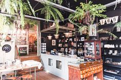 Unique finds in Amsterdam: De Weldaad in de 9 Straatjes is een schatkist van leuke hebbedingetjes