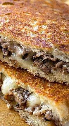 The melted, soft center and toasted-brown exterior of this delicious Steak and Mushroom Grilled Cheese has the best of crunchy and gooey in a single bite! Panini Recipes, Grilled Cheese Recipes, Beef Recipes, Cooking Recipes, Grilled Cheese Sandwiches, Club Sandwich Recipes, Grilled Cheeses, Grilled Sandwich Ideas, Easy Cooking