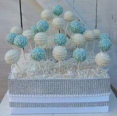 Turquoise/Robin Egg bleu et blanc Swirl Cake par TheMaDCakePopShop