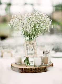 Mason Jar Centerpieces - Ideas for wedding reception centerpieces using mason jars.here're some creative ways you can utilize the mason jar to create beautifully elegant centerpieces for any wedding theme you have in mind! Wedding Flower Arrangements, Wedding Flowers, Diy Wedding, Rustic Wedding Tables, Wedding Ideas, Wedding Bride, Floral Arrangements, Wedding Inspiration, Bride Flowers