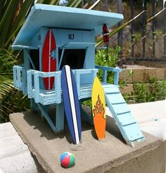 Birdie Baywatch... Lifeguard Shack. This would go great with my beach bird shack.