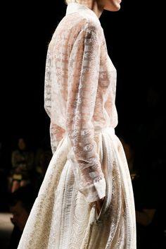 Rochas Spring 2015 Ready-to-Wear - Collection - Gallery - Look 1 - Style.com Mary Katrantzou, Spring 2015, Fall 2015, Beautiful Outfits, Balenciaga, Givenchy, Fashion Week, High Fashion, Runway Fashion