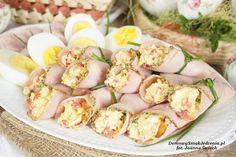ruloniki_z_pasta_jajecz Pasta Salad, Potato Salad, Shrimp, Food And Drink, Potatoes, Meat, Ethnic Recipes, Easter, Crab Pasta Salad