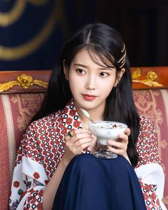 "IU (아이유) ※ 이지은·李知恩·Leejieun on Instagram: ""190808 [#호텔델루나 🌕 #Hotel_Del_Luna Stills 📸] © tvN"" Korean Actresses, Korean Actors, Iu Twitter, Luna Fashion, Korean Celebrities, Girl Crushes, Asian Woman, Korean Girl, Korean Style"