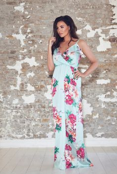 Jessica Wright Jayde Multi Floral Frill Maxi Dress £85.00 Add a touch of summer to your wardrobe with this Jayde maxi dress. Featuring a stunning floral print, frill detail and a floaty skirt.   Colour: Multicoloured
