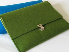 "Tablet-PC-Taschen - iPad Tasche / iPad Hülle aus Wollfilz ""farn/kiwi"" - ein Designerstück von Oliva-Filz bei DaWanda"