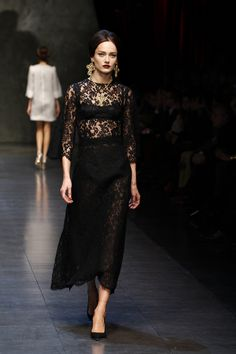 Dolce & Gabbana Women Fashion Show Gallery – Fall Winter 2014 Collection