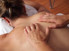 Deep tissue massage is therapeutic and is used for rehabilitation. It is not a relaxing massage. Therefore, one should be prepared to face some kind of discomfort with this massage. Acupuncture, Acupressure, Chi Nei Tsang, Massage Corps, Massage Shiatsu, Face Massage, Massage Chair, Massage Treatment, Physical Therapy