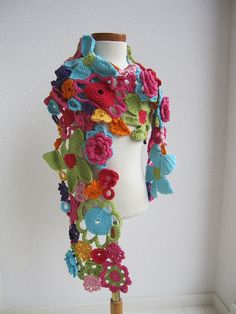 crochet flower scarf -- I might have to go to the yarn store downtown to sit and crochet with someone expert in crochet on the go (I think that is what that is called) Gilet Crochet, Freeform Crochet, Crochet Art, Irish Crochet, Crochet Shawl, Crochet Toys, Crochet Stitches, Crochet Flower Scarf, Crochet Flower Patterns