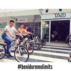 These guys from #uk are discovering a new #benidorm with our #taobike in this sunny and amazing day!!! #cyclehire #bikerental #ElectricBikes #ecotourism #responsibletourism #benidormnolimits