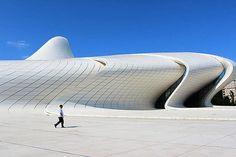 ザハ・ハディド氏が設計したアゼルバイジャンの建造物を訪問し驚き - ライブドアニュース