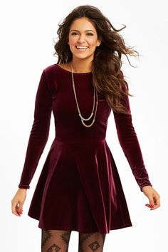 Solid Velvet Dress from the new Bethany Mota Collection at Aeropostale. I almost bought this! i want it so bad Holiday Outfits, Holiday Dresses, Red Holiday Dress, Cute Christmas Outfits, Christmas Dresses, Silvester Party Outfit, Vestidos Velvet, Outfit Vestidos, Moda China