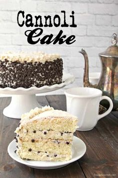 Cannoli Cake Recipe – Snappy Gourmet This homemade cannoli cake is full of easy to find ingredients including ricotta, mascarpone, orange zest, and mini chocolate chips. Find out to make a cannoli cake with different flavors for your personal taste. Brownie Desserts, Oreo Dessert, Mini Desserts, Coconut Dessert, Just Desserts, Delicious Desserts, Christmas Desserts, Cupcake Recipes, Baking Recipes