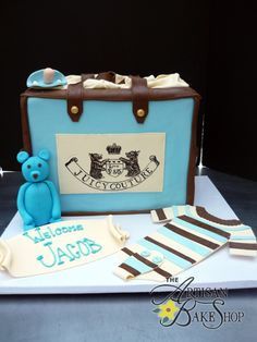 Awesome Diaper Bag Cakes for Boys! — Artisan Cake Company Awesome diaper bag cakes that would be great for a baby boy shower. Easy tutorial on how to make your own diaper bag. Diaper Bag Cake, Baby Diaper Bags, Baby Shower Cakes, Baby Boy Shower, Baby Cakes, Baby Showers, Artisan Cake Company, Fashionista Cake, Juicy Couture Baby