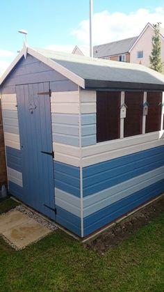 Beach hut shed. Beach Theme Garden, Seaside Garden, Coastal Gardens, Beach Gardens, Beach House Decor, Beach Hut Shed, Beach Huts, Summer House Garden, Home And Garden