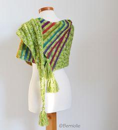 Arrow crochet wrap by Bernolie, featured on Crafts from the Cwtch Crochet Scarves, Crochet Shawl, Diy Crochet, Crochet Hooks, Shawl Patterns, Print Patterns, Crochet Patterns, Arrow Pattern, Learn To Crochet