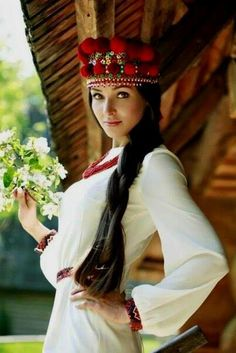 Women from Ukraine and Russia are looking for good, honest and reliable men like you! Beautiful Women Over 50, Beautiful People, Folk Fashion, Ethnic Fashion, 3d Foto, Costumes Around The World, Russian Beauty, Beautiful Costumes, Folk Costume
