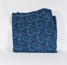 """Fabric blue wavy sewing quilting 45"""" X 131"""" #Unbranded"""