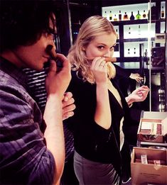 Eliza Taylor & Bob Morley 《The 100 cast》 Eliza Jane Taylor Cotter, Eliza Taylor, The 100 Cast, The 100 Show, Bob Morley, Bellarke, Lexa The 100, Netflix, American Series