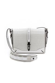 Базовые сумки классических оттенков и форм, которые можно купить со скидками | Vogue | Мода | Выбор VOGUE | VOGUE