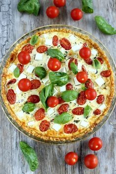 * Fetajuustojen suolaisuuksissa on eroja. Vegan Recipes, Snack Recipes, Snacks, Food Porn, Dairy Free Diet, Salty Foods, Savoury Baking, Food Tasting, Quiche