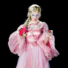 """Photography - Portrait - Katy Perry as Princess Mandee in """"Birthday"""" - Animated gif - GIF Katy Perry Music Videos, Birthday Animated Gif, Katy Perry Birthday, Big Music, Birthday Songs, Yesterday And Today, Photography Photos, Aurora Sleeping Beauty, Princess"""
