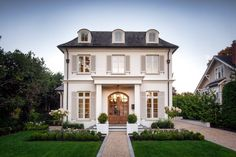 Dream Home: A French-Inspired Beauty in Victoria – Becki Owens Blog White Marble Bathrooms, French Architecture, Cozy Kitchen, French Countryside, Black And White Marble, French Bistro, Rustic White, Traditional House, Modern Luxury