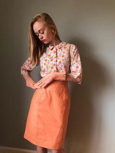 50/% OFF SPRING SALE Vintage 1980s Spiegel Peach Pink Real Genuine Leather High Waist Pencil Knee Length Minimal Skirt Bottom Size Large