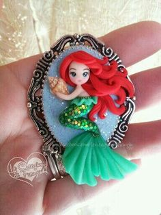 ariel gift for your guests Polymer Clay Figures, Cute Polymer Clay, Cute Clay, Polymer Clay Dolls, Polymer Clay Projects, Polymer Clay Charms, Polymer Clay Creations, Polymer Clay Jewelry, Clay Crafts