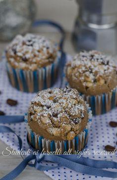 muffin al caffè con nocciole e cioccolato ricetta tortine al caffè muffin soffici