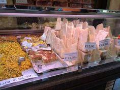 """Queijo Parmesão - """"Visitar Bolonha, Itália"""" by @Viaje Comigo"""
