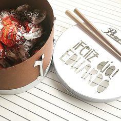 Chocolates, Arts And Crafts, Instagram Posts, Crates, Presents, Schokolade, Chocolate, Art And Craft, Brown