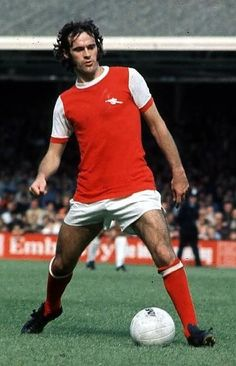 Peter Storey of Arsenal in Arsenal Players, Arsenal Football, Arsenal Fc, Football Team, Football Pictures, Old Boys, Soccer Players, Superstar, 1970s