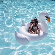Baby Inflatable Swan // SunnyLife