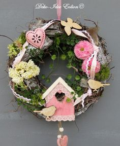 T& fr& - Bing images Wreath Crafts, Diy Wreath, Grapevine Wreath, Wreaths For Front Door, Door Wreaths, Summer Decoration, Outside Decorations, Easter Parade, Art For Art Sake