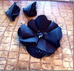 flowerhat14 http://www.girllovesglam.com/2012/01/hat-makeover-and-flower-tutorial.html