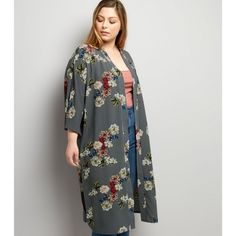 The kimono is our go to summer cover up. Keep your outfit simple and let these floral kimonos make a statement. Here are our 5 top picks to get you ready for the summer. Shop All Kimonos Teen Guy Fashion, Modest Fashion, Floral Kimono, Kimono Top, Cami Tops, Size Model, Casual Looks, Fashion Online, Latest Trends