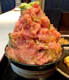 これぞ山盛り! 横浜・馬車道「バンバン番長」のねぎとろ丼がスゴすぎる!! どう食べるかマジで戸惑う | ロケットニュース24